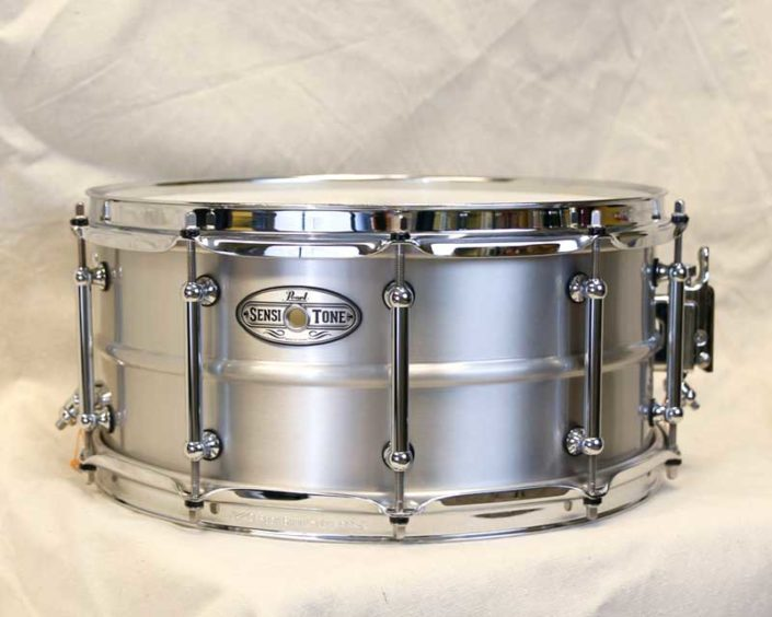 "Pearl Sensitone Brushed Aluminum 14x6.5"" Snare"
